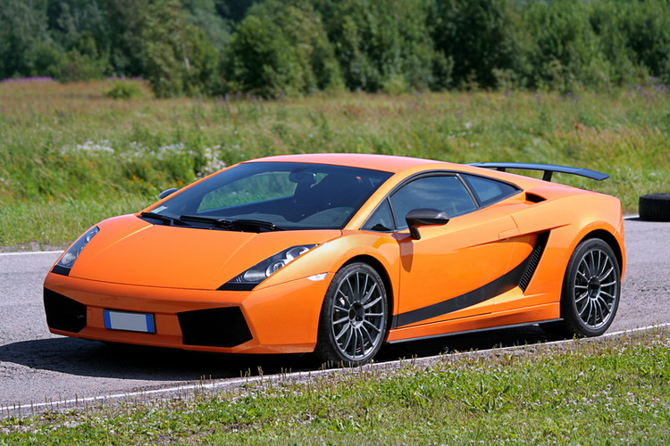 5 Reasons to Buy an Exotic Car