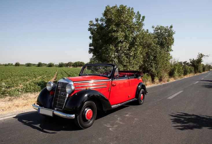 Classic Cars still got It: What real estate and classic cars have in common